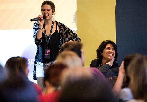 Construção de rede para a marca com Anna Penido, Diretora do Instituto Inspirare e do Porvir.org e a aluna Cecília