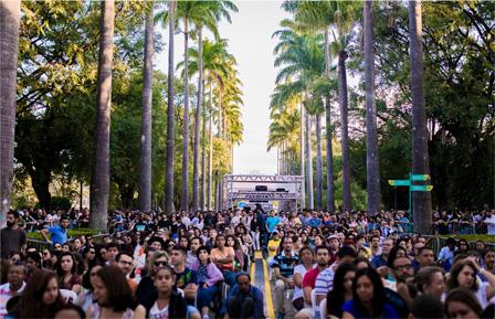 Audiences at Liberdade Square, Belo Horizonte