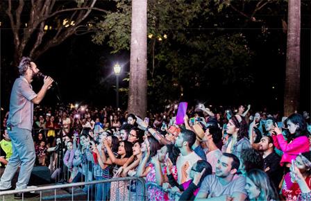 Show de Marcelo Jeneci, Praça da Liberdade, Belo Horizonte
