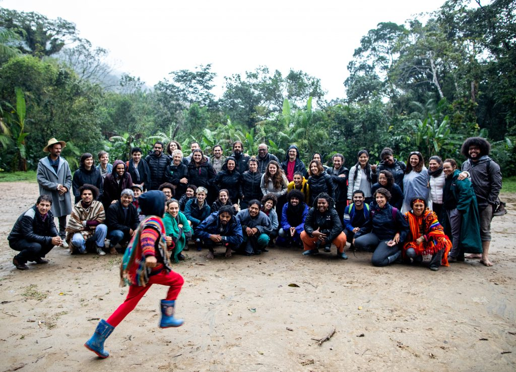 Como parte do processo de imersão, visita à terra indígena Rio Silveira
